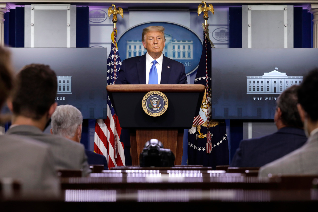 De Amerikaanse president Trump tijdens de persconferentie.