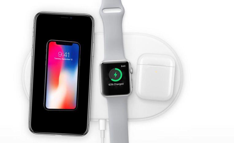 Vanaf 2018 beschikbaar: de AirPower-mat, waarop verschillende Apple-producten tegelijk kunnen worden opgeladen. Beeld Apple