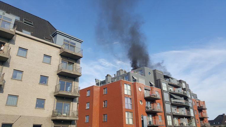 De brand veroorzaakte een felle rookontwikkeling
