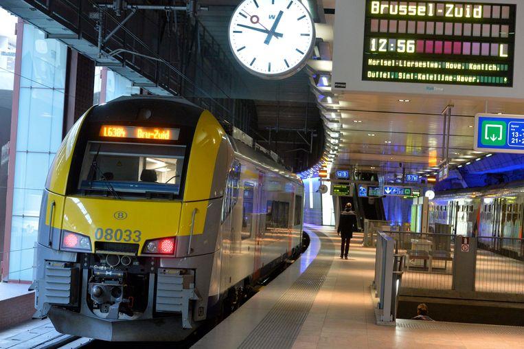Door de ingreep zullen reizigers op sommige lijnen geconfronteerd worden met ouder materiaal dan gebruikelijk.