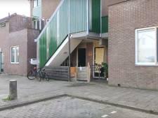 Veel gesneuvelde ramen en beschadigde deur door explosie in Zaandam