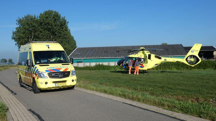 De ambulance en traumaheli rukten uit naar het boerenbedrijf.