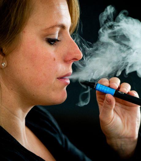 Fikse boete voor bedrijf uit Heinenoord voor reclame maken voor e-sigaretten: 'Ze heeft niets geleerd'
