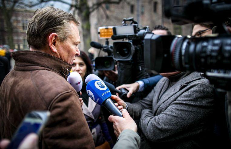 Bruno Bruins, minister voor Medische Zorg, komt aan op het Binnenhof voor de wekelijkse ministerraad.  Beeld null