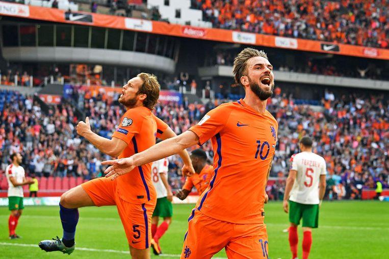 Davy Pröpper in extase na zijn 1-0 tegen Bulgarije. Beeld Foto: Guus Dubbelman / de Volkskrant
