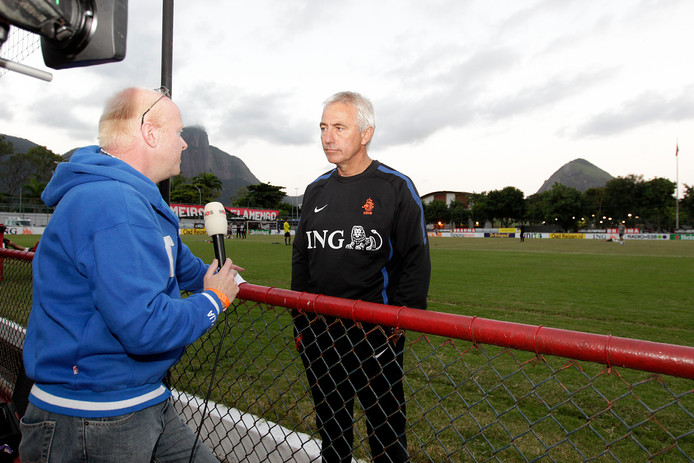 Met Van Marwijk in 2011