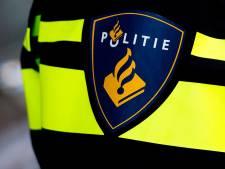Fietser gewond en teckels vermist door botsing met scooterrijder in Alblasserdam
