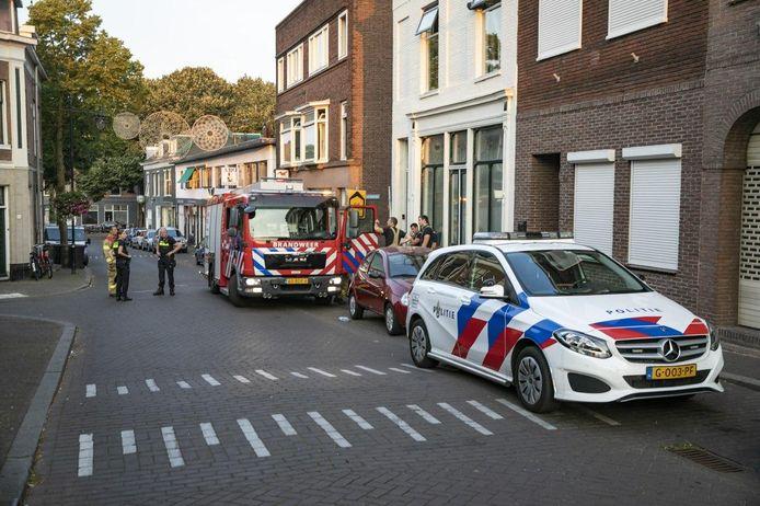 De eigenaar van de auto bluste de brand in zijn auto aan de Klarendalseweg zelf.