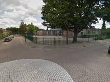 Woeste automobilist slaat kind in Apeldoorn nadat hij besjes tegen auto gooit