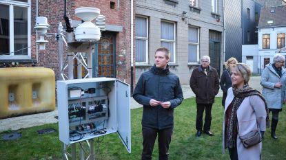 Minister leert over het weer in Sint-Bavo