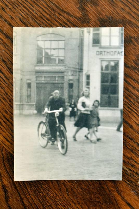 Een bijzondere foto van de Enschedese verzetssstrijder Johannes ter Horst.