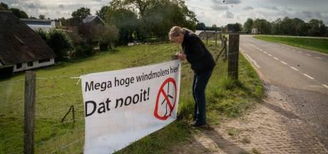 Spandoeken als extra aandachtstrekker: 'Mega hoge windmolens hier? Dat nooit!'