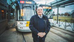 """Eric (66) komt uit pensioen om opnieuw trambestuurder te worden. """"Zo kunnen mijn jonge collega's tenminste hun verlof opnemen"""""""