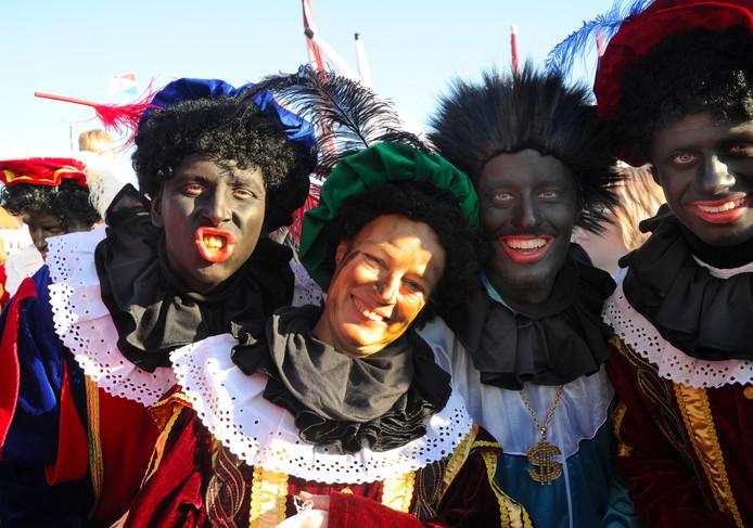 Roetveeg- en Zwarte Pieten bij de intocht vorig jaar