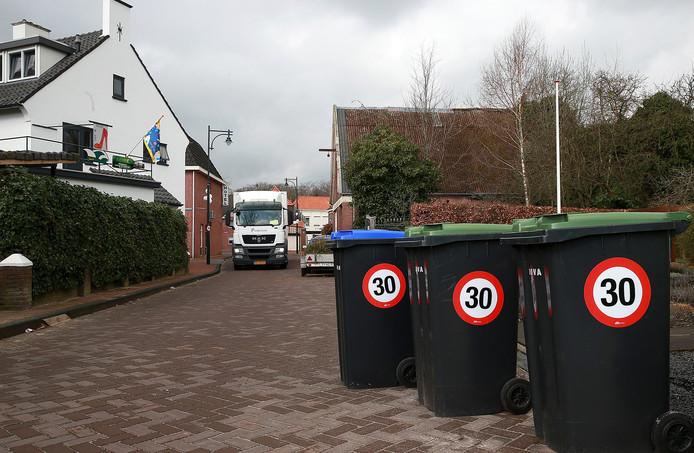 Een vergelijkbare stickeractie in Groenlo.