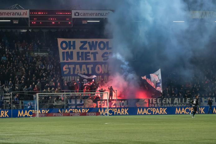Wedstrijd van PEC Zwolle worden tegenwoordig door gemiddeld 4650 mensen meer bezocht dan tien jaar geleden (VI).