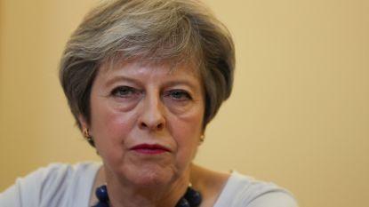 Opmerkelijk: Theresa May niet welkom op huwelijk prins Harry en Meghan Markle
