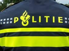 Politie trekt wapen voor messentrekker Coolsingel