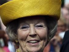Prinses Beatrix opent 'eigen' hoedenexpositie in Paleis Het Loo