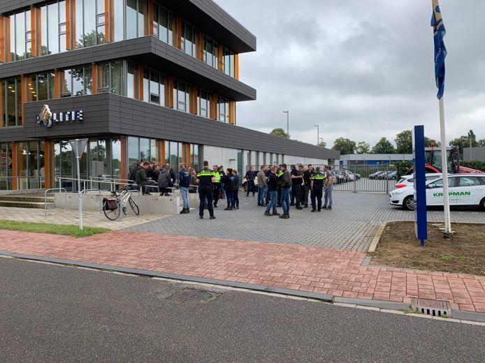 Boeren op het politiebureau in Doetinchem.