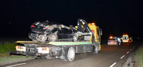 Auto in de sloot bij Cadzand, bestuurder naar ziekenhuis