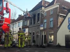 Man met brandwonden in ziekenhuis na sprong van drie hoog bij brand in Zutphen