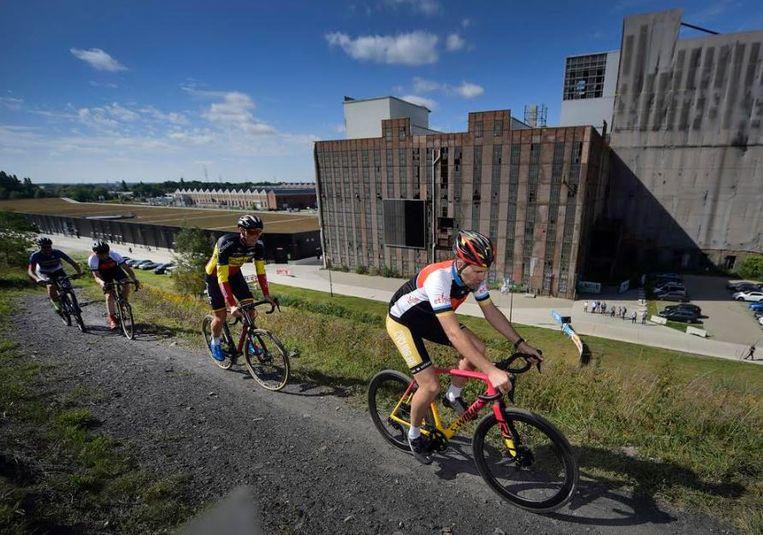 De locatie op de mijnterril in Beringen is al gekend uit het mountainbike-circuit en kan op termijn uitgroeien tot een veldritklassieker.