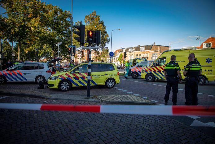 Ambulancepersoneel ving zaterdag de gewonden op.