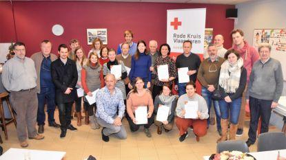 Rode Kruis huldigt 15 cursisten