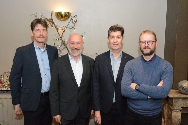 De nieuwe coalitie met Kris Smet, Dirk De Ketelaere, Filip Vercauteren en Dimitri Van Laere heeft maandag haar bestuursakkoord voorgesteld (Kamiel Van Gheem en Caroline Vermeulen ontbreken op de foto)