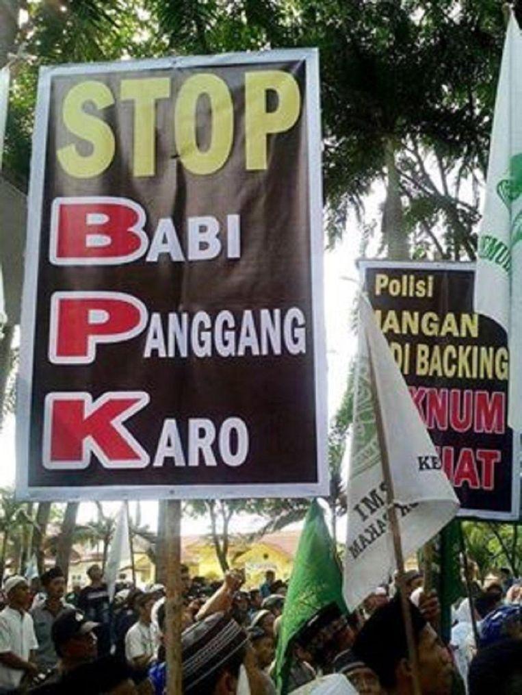 Een demonstratie tegen Babi Pangang. Beeld