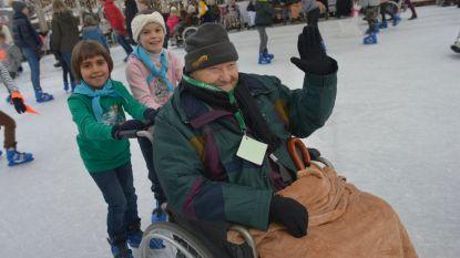 Senioren genieten van schaatspret in Knokke