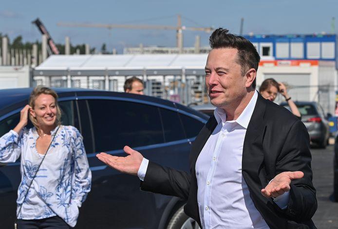 Tesla CEO Elon Musk bezocht dit najaar de nieuwe Gigafactory die bij Berlijn wordt gebouwd. Hij overweegt daar ook een kleiner model, speciaal voor de Europese markt, te gaan bouwen.