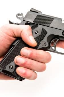 Politie waarschuwt nogmaals voor nepwapens na aanhouding jongeren
