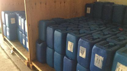 Nederlandse politie vindt bij inval dicht bij België duizenden liters grondstof voor drugs