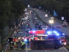 Autobahn bij Emmerik richting Nederland helemaal dicht na ongeluk