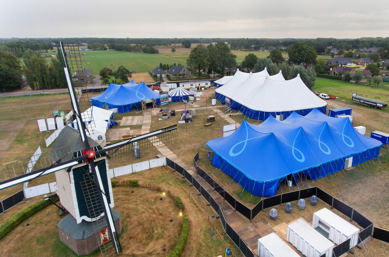 Het terrein van Strooipop bij molen De Vlijt.