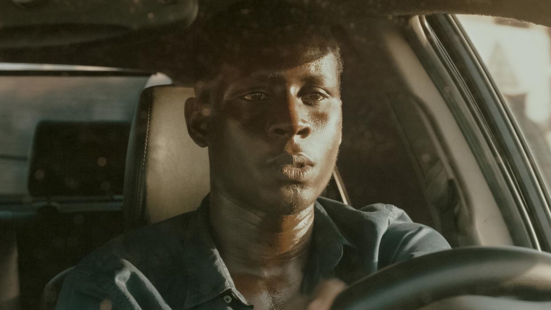Amadou Mbow als Issa. Beeld Filmbeeld
