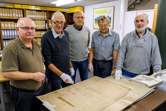 De leden van het DOCc met Walter Janssen, Leo Niewold, Frans Neyens, Liebrecht Schaltin en Paul Janssen.