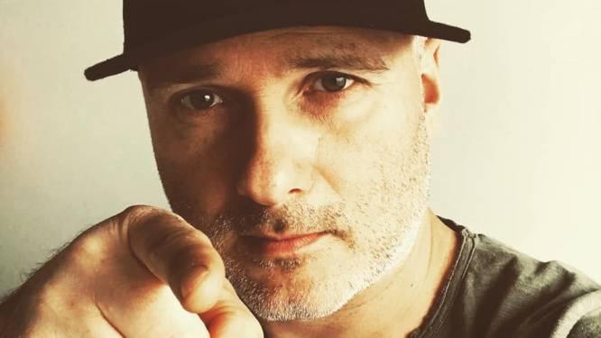 """DJ Jan V. ligt net als zijn collega's al acht maanden stil: """"Ik denk nu al aan de eerste plaat die ik ga draaien wanneer het weer mag... die moet er 'boenk' opzitten"""""""