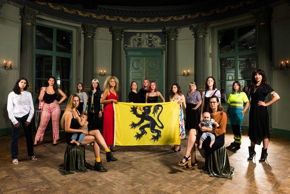 Vrouwen met de Vlaamse Leeuwin.