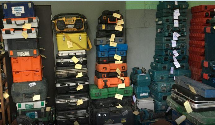 Een deel van de bijna 5.000 teruggevonden werfmachines.