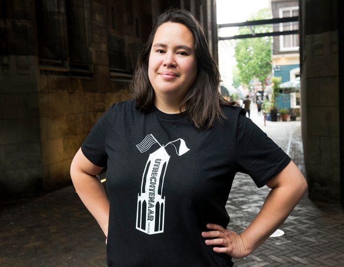 Mai Linh Ly draagt trots het shirt 'Utrechtenaar'.