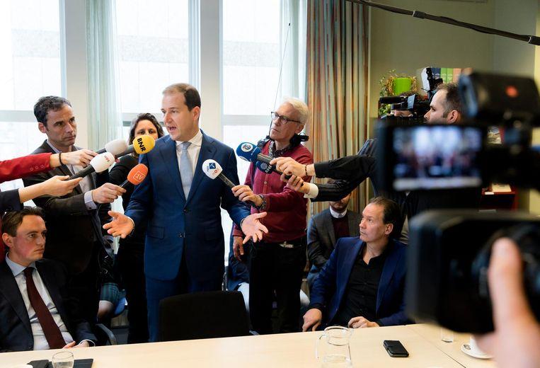 Lodewijk Asscher (PVDA) in gesprek met de pers. Beeld anp