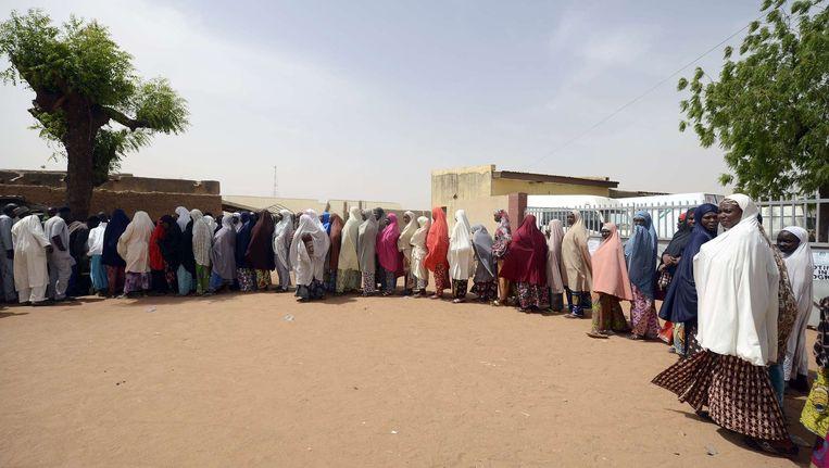 Lange rijen voor de stembus in Katsina State. Beeld afp