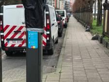 """FIlip Dewinter dreigt met rechtszaak: """"Nieuwe Antwerpse parkeerautomaten zijn onwettig"""""""