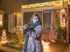 Corrinda uit Goes wil lichtjes in heel veel voortuinen: 'Het geeft vrolijkheid en hoop'