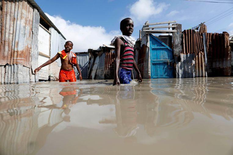 Al ongeveer 182.000 mensen moesten hun huis verlaten in Somalië als gevolg van zware overstromingen.