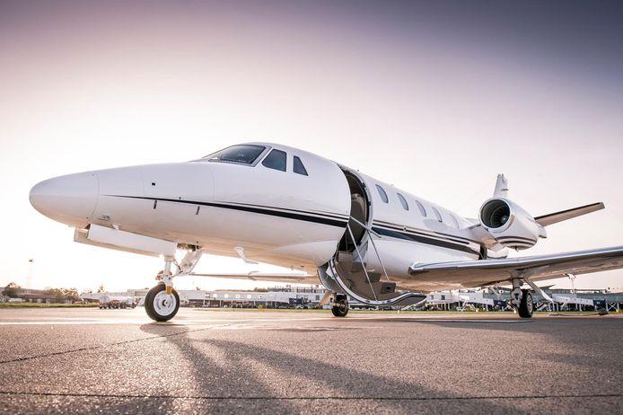 De bende gebruikte privévliegtuigen voor de smokkel.