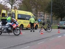 Oudere vrouw op fiets aangereden door auto in Oosterhout